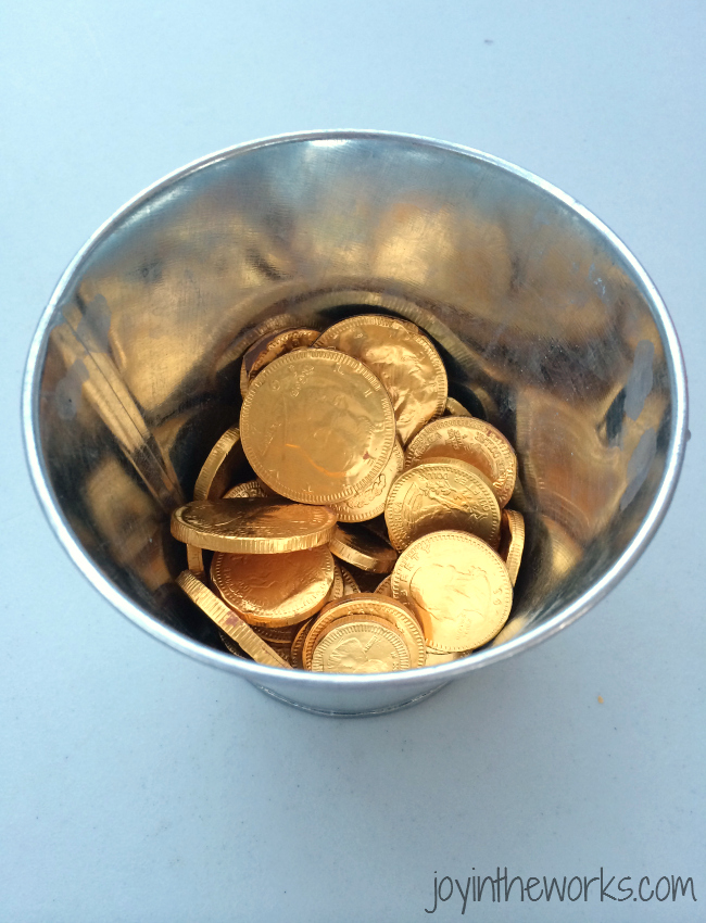 Every Super Mario Party needs gold coins!