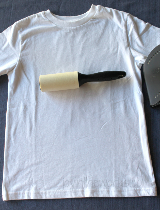 DIY iron-on 4th of July t-shirt, Step 4: Clean with lint brush