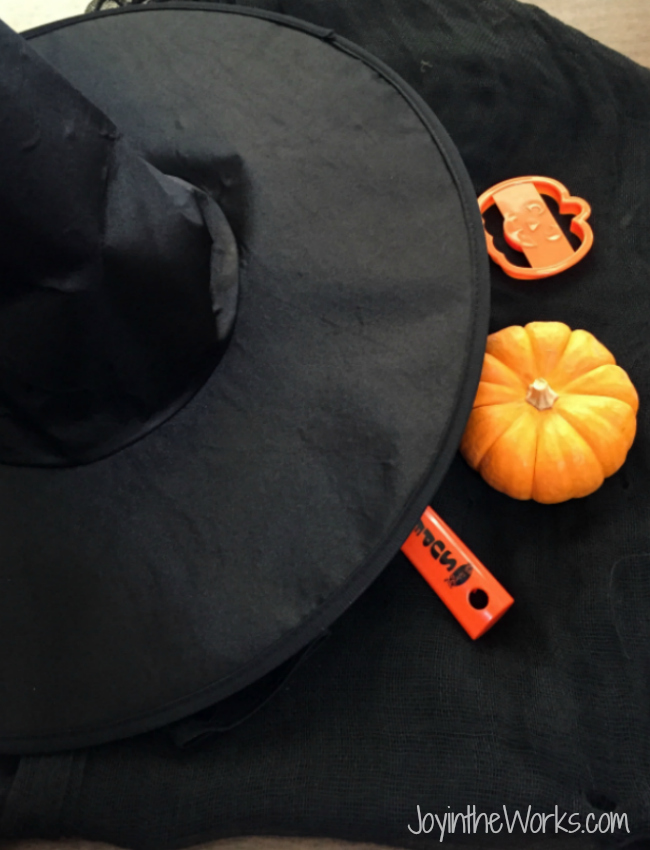 Play What's Missing Halloween version. Use a witch's hat for hiding the objects; from plastic eyeballs to mini pumpkins to skeleton hands!