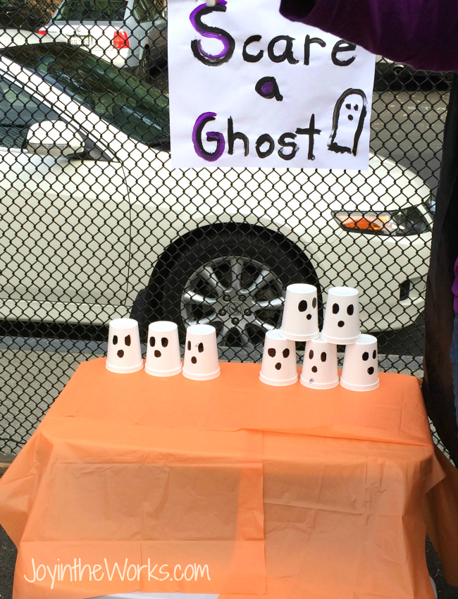 Knock down the ghosts with this simple Halloween party game!