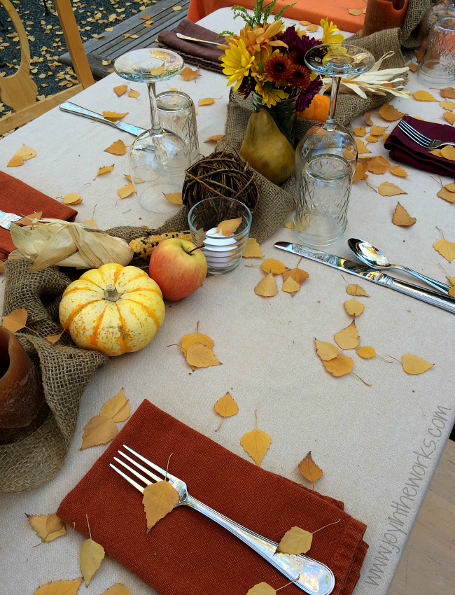 Your Thanksgiving dinner and doesn't have to be stuffy and fancy. How about hosting dinner outside and creating a rustic outdoor Thanksgiving tablescape using these tips?