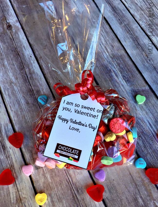 Valentine's Day Gift Ideas: Candy and Sweets with free printable gift tags (1 of 8!)