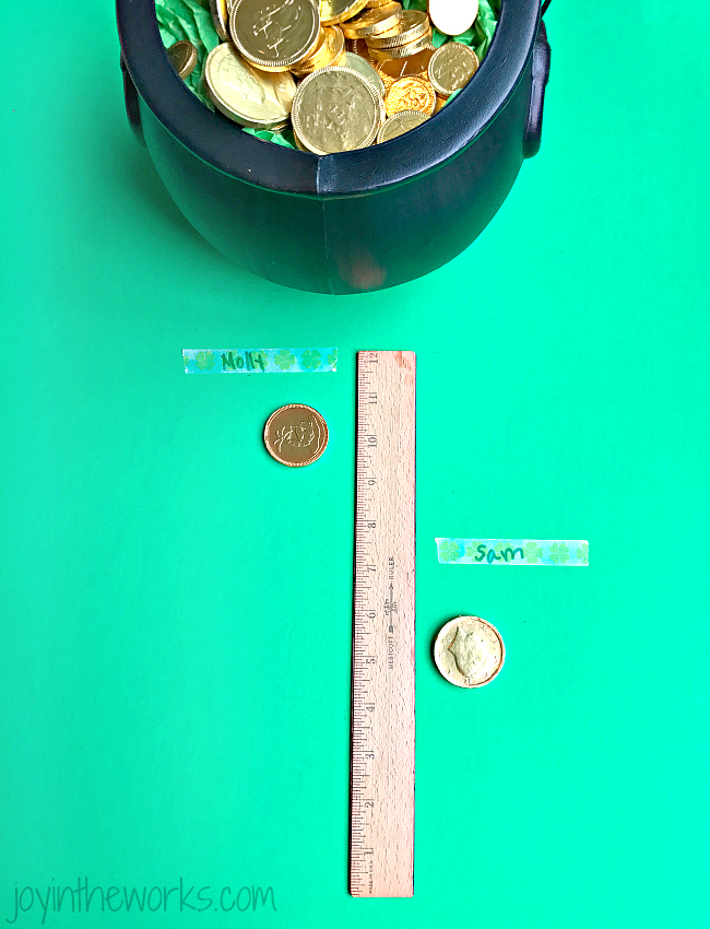 Looking for some easy games for St. Patrick's Day? These gold coin games are perfect for St. Patrick's Day parties, classroom centers and just fun at home!
