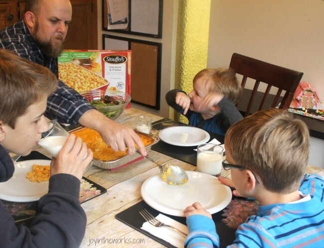 After your family fun spring activity making a graham cracker barn on a candy springtime farm, then it's time to enjoy a family dinner enjoying a Stouffer's meal #SpringItOn #NestleKitchen #CollectiveBias #ad