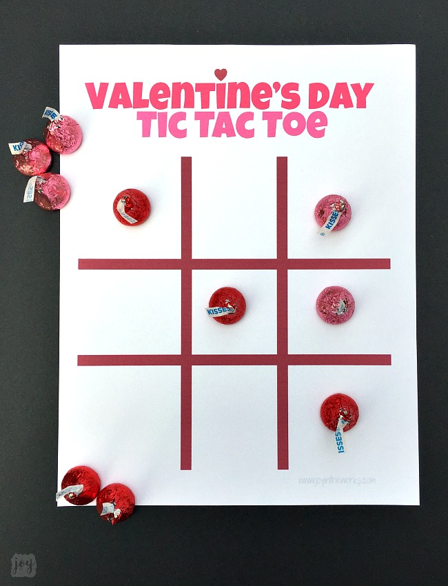 Valentine\'s Day Tic Tac Toe Game - Joy in the Works