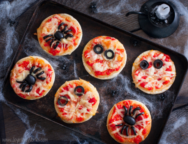 Have the whole family join in on the fun with these Halloween mini pizzas! The kids would love it and it help take the sting out of not going trick or treating this year.